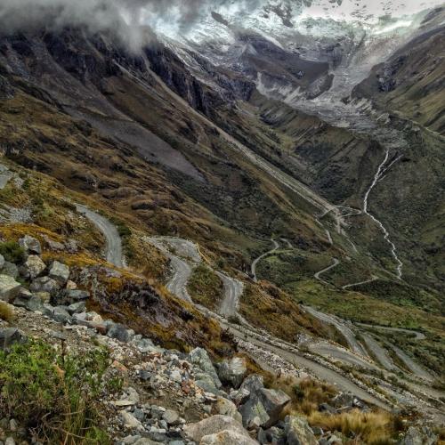 Santa Cruz Trek Winding Road